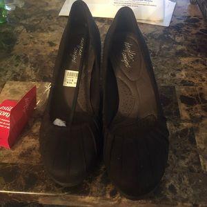 Women's dress shoes size 8